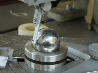 Roundness measuring equipment